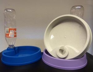 vannskål med brusflaske